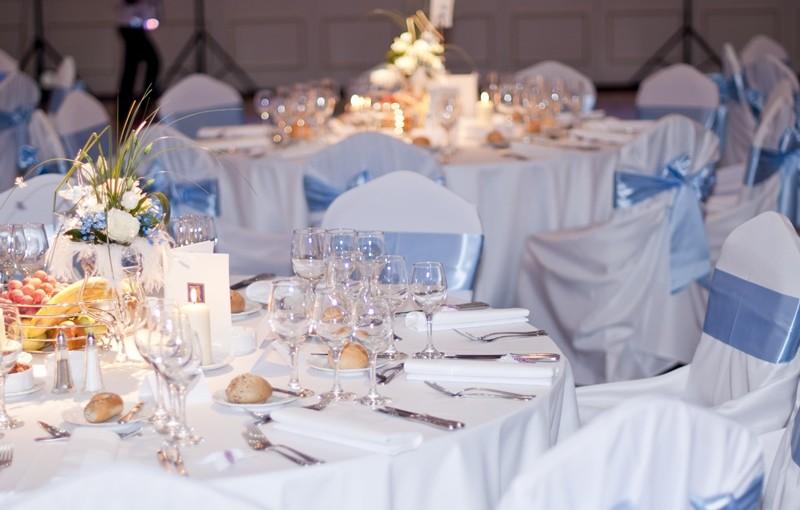 Preparare la tavola per un battesimo ecco come allestirla - Addobbi tavolo battesimo ...