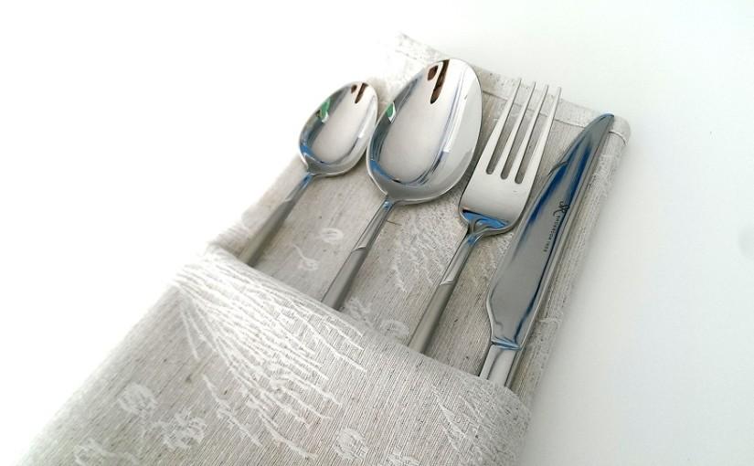 Come piegare un tovagliolo in una tavola elegante